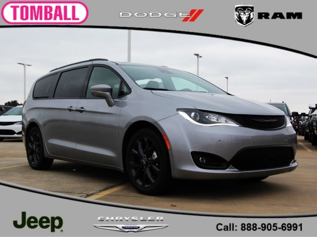 New 2019 Chrysler Pacifica Limited Passenger Van In Tomball R548680