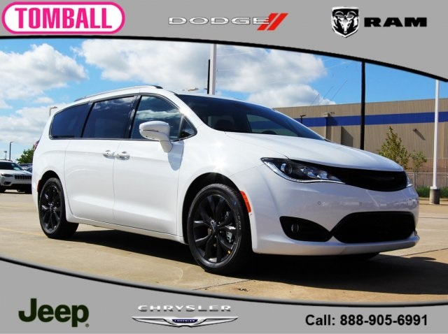 New 2019 Chrysler Pacifica Limited Passenger Van In Tomball R548679